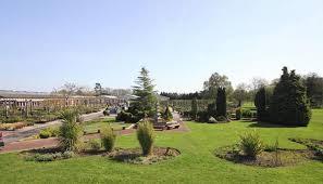 37-Finding a garden centre Neston